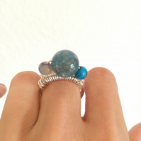 Serling silver wire ring with blue semi-precious stones