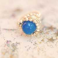 Sterling silver wire ring with blue agate stone