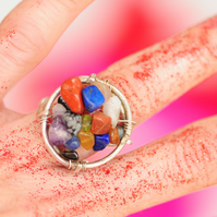 Sterling silver round ring with chipped gemstones in different colours