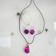 leather necklace with agate pink crystal and earrings