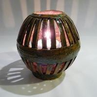 Sphere shape large candle holder