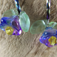 Flower earrings with crystal