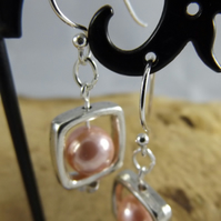 Pink Shell Pearl Earrings