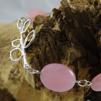 Rose quartz with silver plated leaf charm bracelet