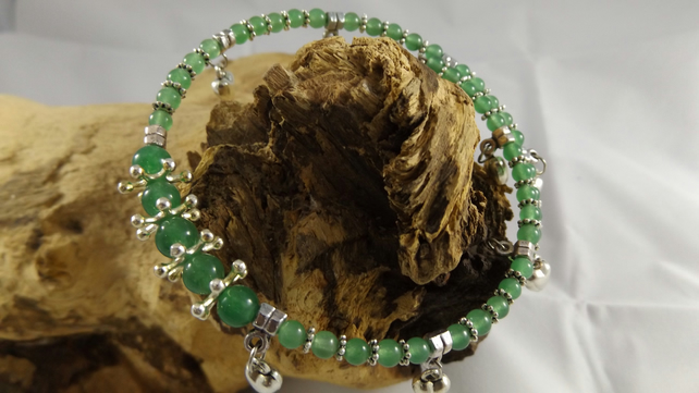 Green jade and silver plated puffed heart charm memory wire bracelet