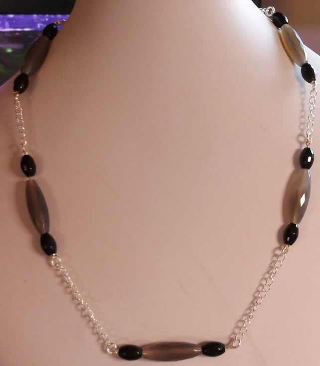 Grey agate and black agate necklace