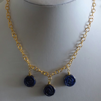 Lapis lazuli carved flower necklace