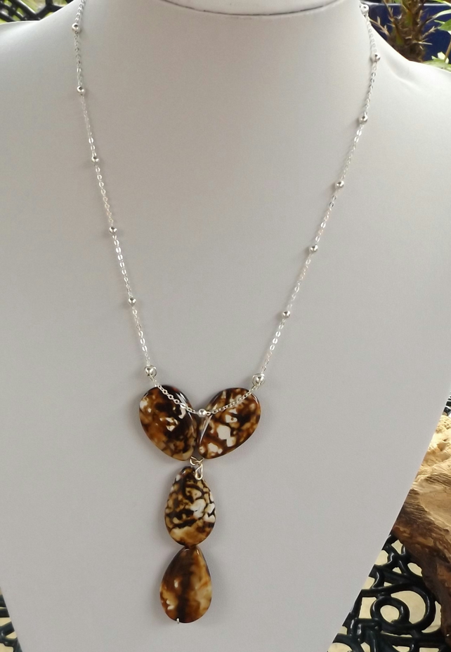 Cappuccinno agate necklace with silver plated chain 18""