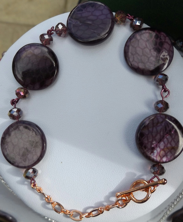 Purple shell pearl bracelet with crystals