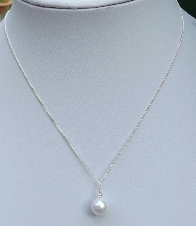 Sterling silver white cultured pearl necklace