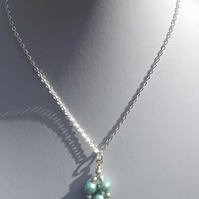 "16"" Mint green shell pearl with silver stardust spacers necklace"