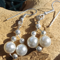 White shell pearl earrings