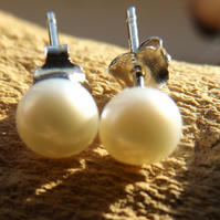 White freshwater cultured sterling silver stud pearl earrings