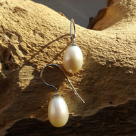 White freshwater cultured pearl sterling silver earrings