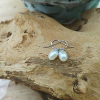 white freshwater cultured pearl earrings