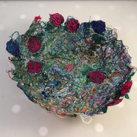 Scattered Roses Thread Bowl
