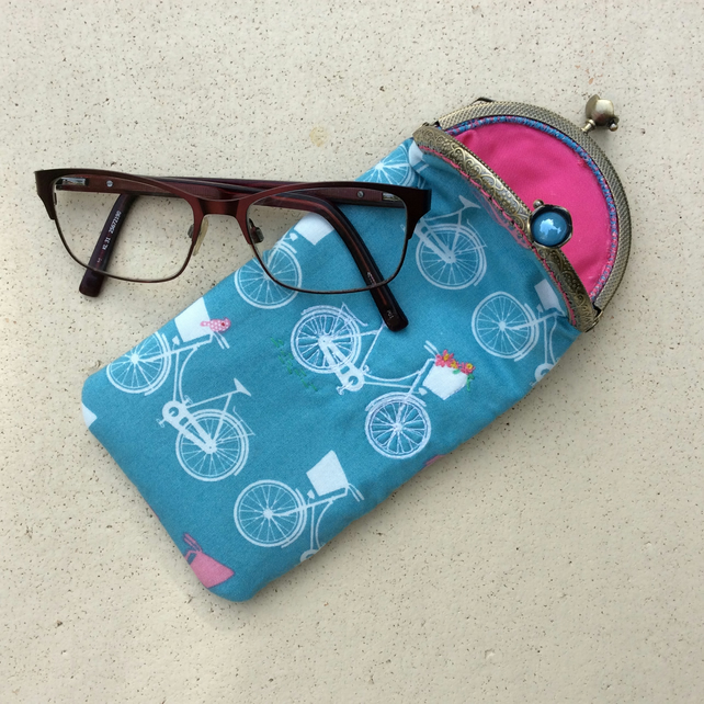 Bikes and Flowers Glasses Case