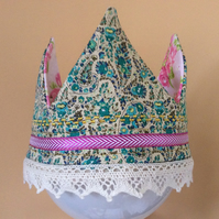 Softly Padded Reversible Crown