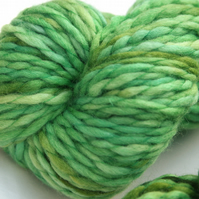 SALE Greenery - Chunky merino wave wrap yarn