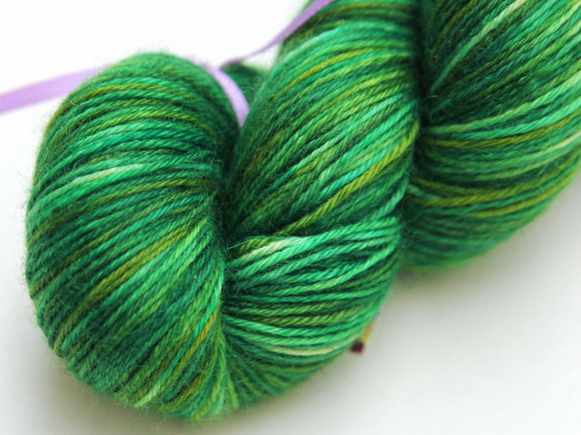 SALE: Grasshopper - Superwash Bluefaced Leicester 4-ply yarn