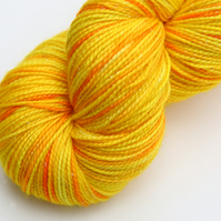 Sunlight Sparkles - Silver Sparkly superwash merino 4-ply yarn