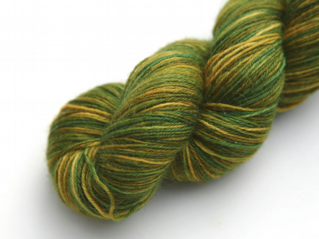 Frog Princess - Superwash Bluefaced Leicester 4-ply yarn