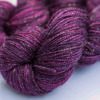 Jewelled Plum - Gold sparkly  superwash merino yarn