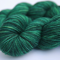 SALE: Festive - Gold Sparkly Superwash merino 4-ply yarn
