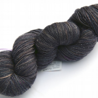 Granite City - Silver Sparkly Superwash Merino 4-ply yarn