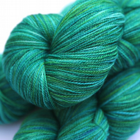 Tropical - Superwash merino bamboo laceweight yarn