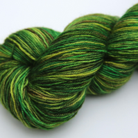 SALE: Pinewoods - Superwash Bluefaced Leicester 4 ply yarn