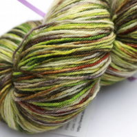 Woodmouse - Superwash Bluefaced leicester 4-ply yarn