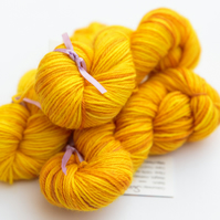 SALE: Sun - Superwash Bluefaced Leicester 4 ply 20g mini skeins
