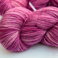 Lotus - Superwash Bluefaced Leicester 4 ply yarn