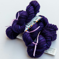 Intrigue - Superwash bluefaced leicester 4 ply mini skeins