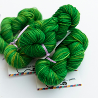 SALE: Grass - Superwash Bluefaced Leicester 4 ply 20g mini skeins