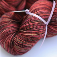 Russet - Superwash wool-nylon 4 ply yarn