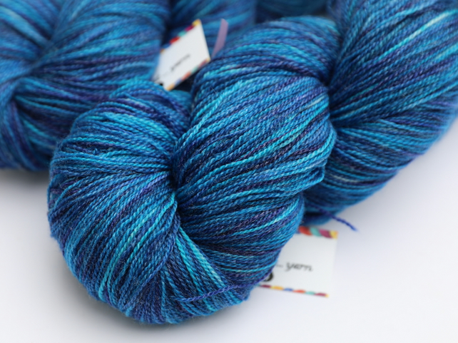 Santorini - Superwash Merino bamboo laceweight yarn