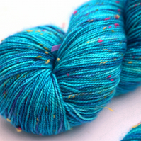 SALE: Swimming in the sea - Superwash neppy 4-ply yarn