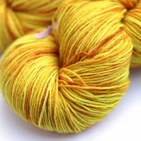 Golden Sun - Mystery superwash Bluefaced Leicester 4 ply yarn