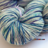 Jack Frost - Silver sparkly superwash merino-nylon 4 ply yarn