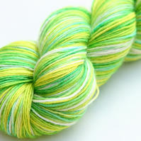 Fresh air and sunshine - Superwash Bluefaced Leicester 4-ply yarn