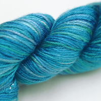 SECOND - Sarah - 4-ply pure Mulberry silk yarn