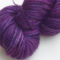 Dancing Unicorn - Bluefaced Leicester 2-ply laceweight yarn