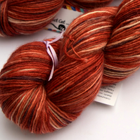 Sleepy Fox - Superwash Bluefaced Leicester 4 ply yarn