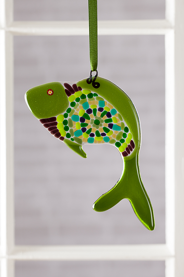 Green Spokes Funky Fish Fused Glass Suncatcher