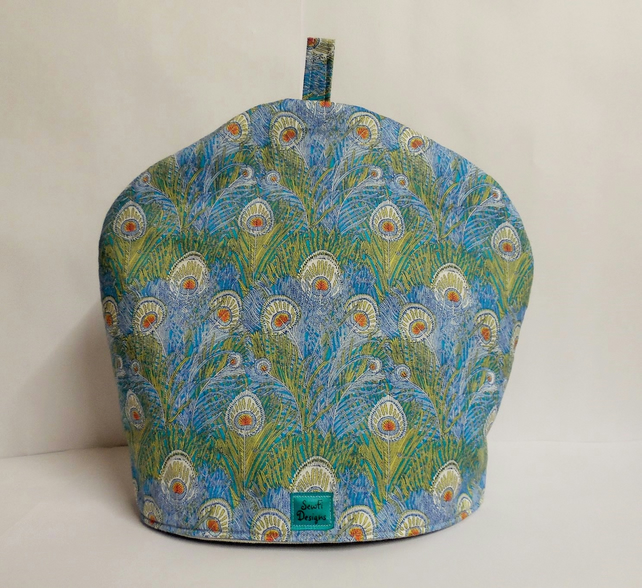 Large Tea cosy. Liberty of London Hera peacock feathers tana lawn.