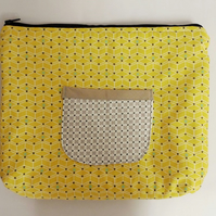 ipad, large tablet case. Zipped and padded with 2 pockets. Yellow geometric.