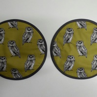 Set of 2 Aga lid covers. Owls on Ochre.