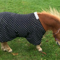 4 Foot Miniature Shetland Black Polka Dot Fleece Stable or Travel Rug.